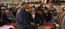 Chinese-Muslim-men-performing-Friday-prayer-in-Xinjiang-December-2013