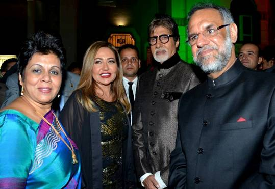 Indian Actor Amitabh Bachchan along side with the Indian Ambassador Navdeep Suri and Egyptian actress laila Elwy  (photos from Indian Embassy in Egypt facebook)