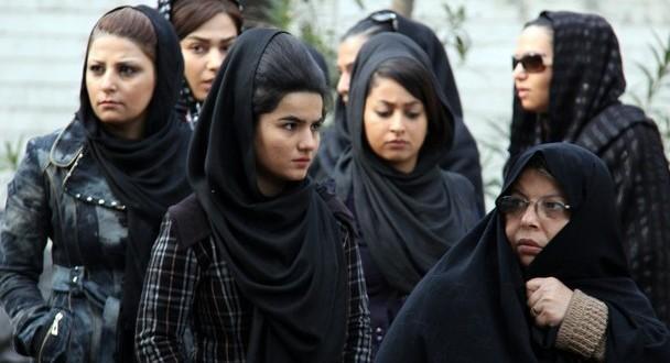 IRANIAN-WOMEN-608x400